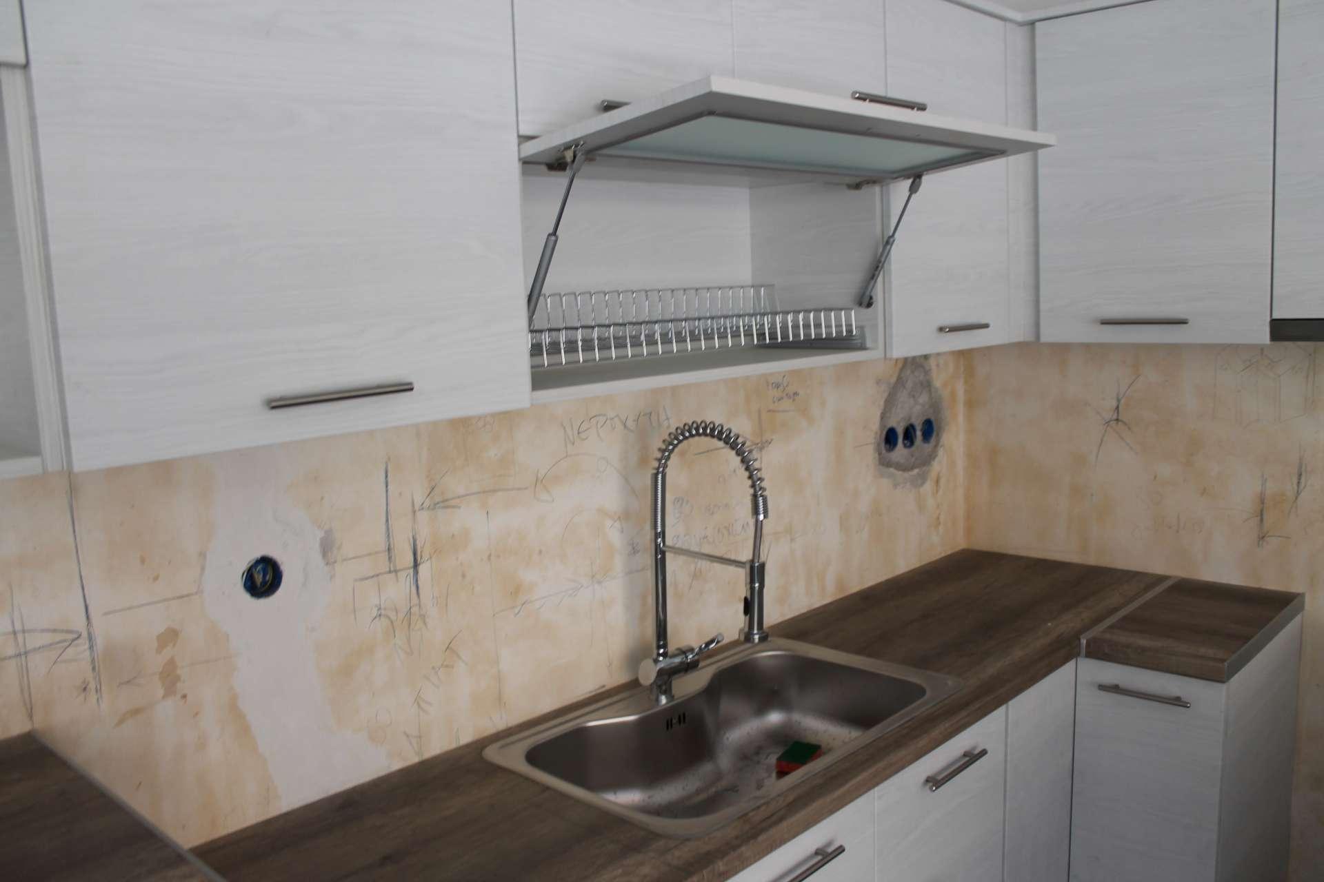 Ανακαίνιση κουζίνας, Βύρωνας